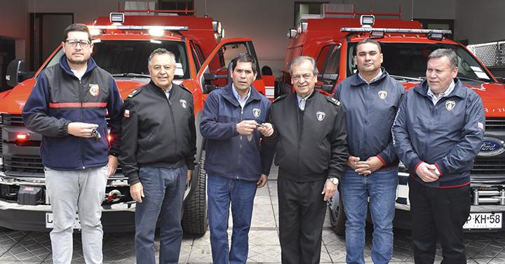 Bomberos de El Palqui reciben 2 modernas unidades de rescate