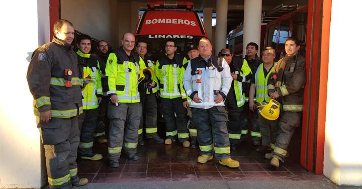 Presidente Nacional de Bomberos de Chile realiza guardia preventiva en la Quinta Compañía de Linares
