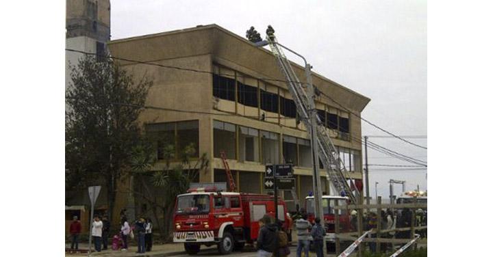 Superintendente de Talcahuano expone avances de la reconstrucción de su Cuerpo de Bomberos