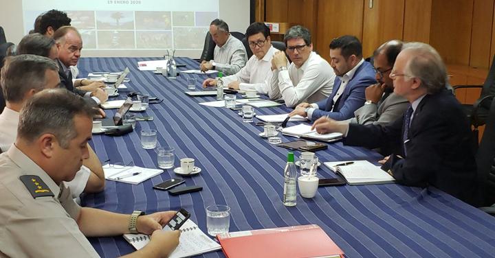 Bomberos de Chile participa en reunión de coordinación para el combate de incendios forestales