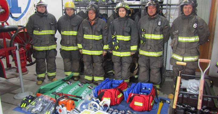 Enel Generación Chile entregó equipamiento para tres compañías de Bomberos de San Clemente