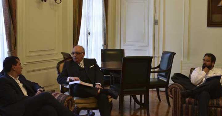 Intendente de Los Ríos visitó al Presidente Nacional