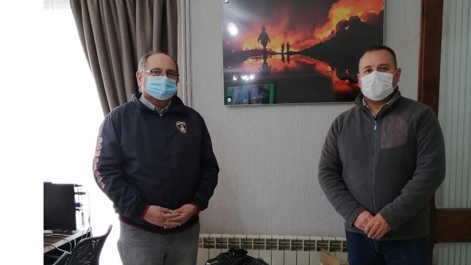 Consejo Regional de Bomberos de Ñuble hace entrega de elementos de protección personal  y sanitización