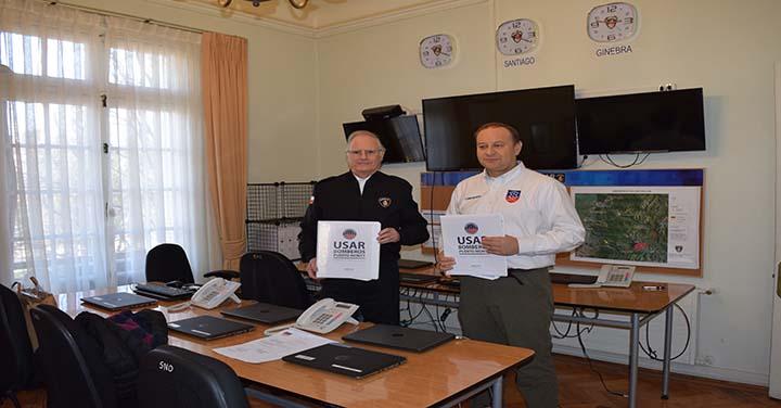 SNO recibió carpetas de acreditación del equipo USAR Bomberos de Puerto Montt