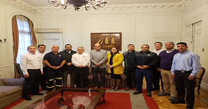 Bomberos de Tocopilla visitaron al Presidente Nacional