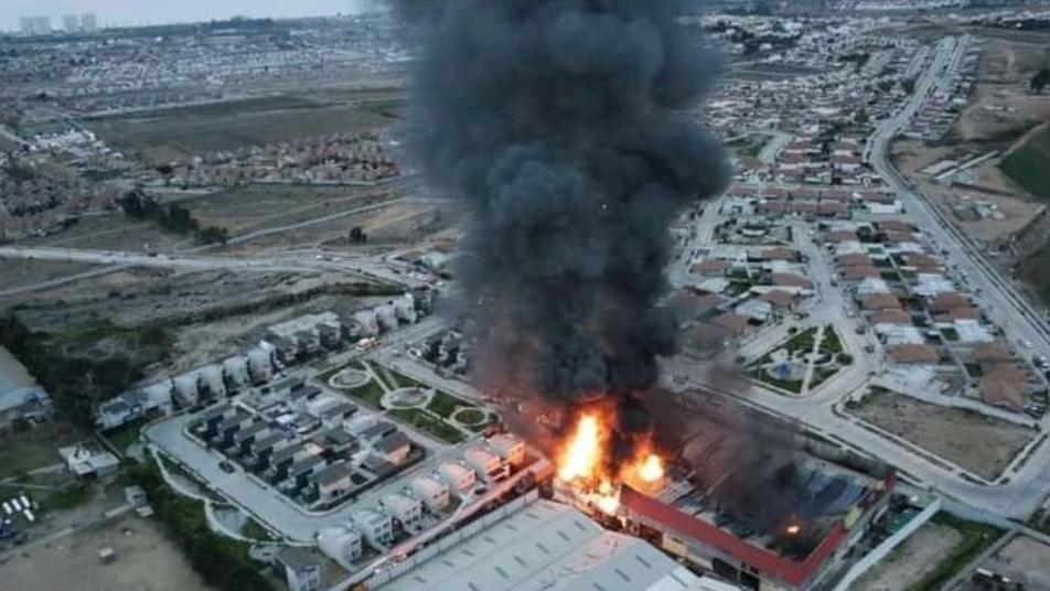 Bomberos de Coquimbo trabajaron en alarma de incendio en fábrica de colchones