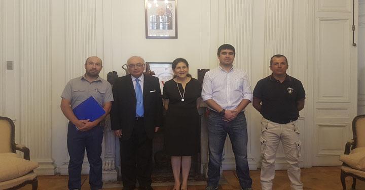 Nuevo Cuerpo de Bomberos de Palmilla se reunió con Presidente Nacional