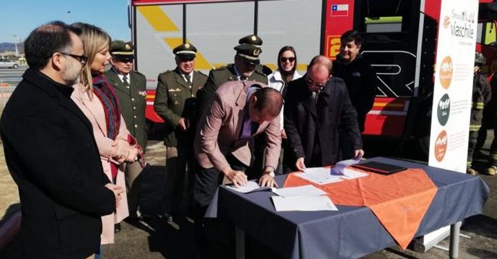 Concesionaria libera pago de peaje a Bomberos de la región de Valparaíso