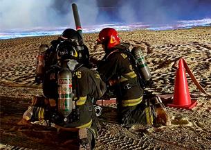 Bomberos de Tarapacá trabajaron en incendio en acopio de azufre