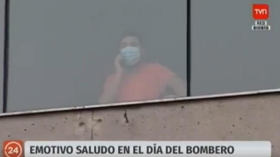Emotivo saludo de Bomberos de Florida a voluntario que se encuentra internado en residencia sanitaria