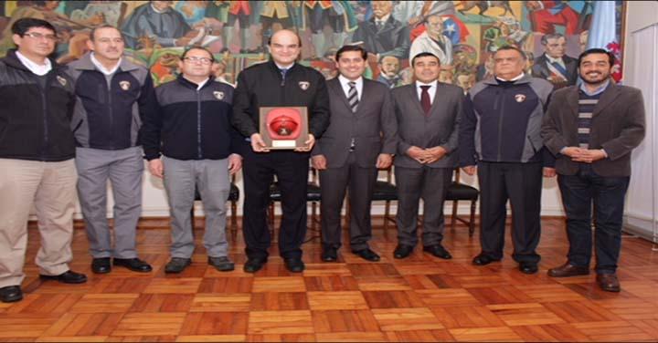 Alcalde de Linares saludó a Raúl Bustos como nuevo Presidente Nacional de Bomberos