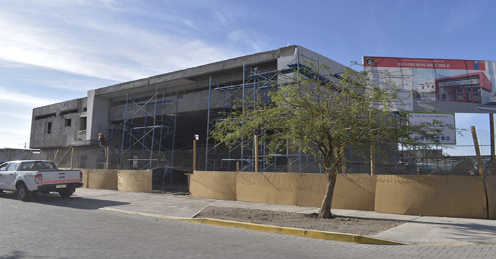 Autoridades de Bomberos de Chile visitaron futuros cuarteles de Pica y Huara
