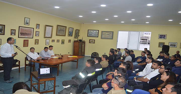 Empresa Lipigas dona detectores de gas a Bomberos de Iquique