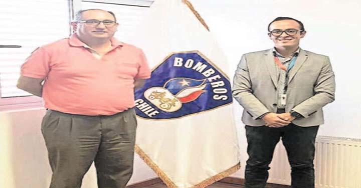 Enap entrega tarjetas de combustible a Bomberos de la Región de Ñuble