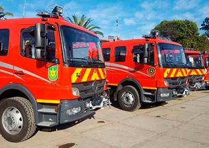 Bomberos de la Región de O'Higgins recibieron siete nuevos carros bomba