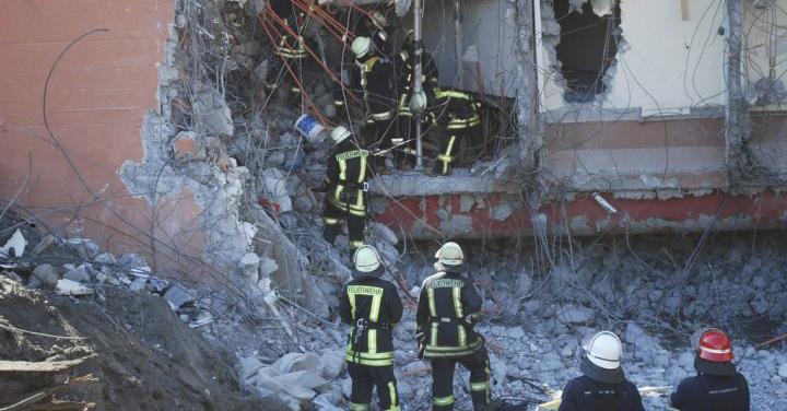 A diez años del 27F, el terremoto que cambió parte de la historia en Bomberos de Chile