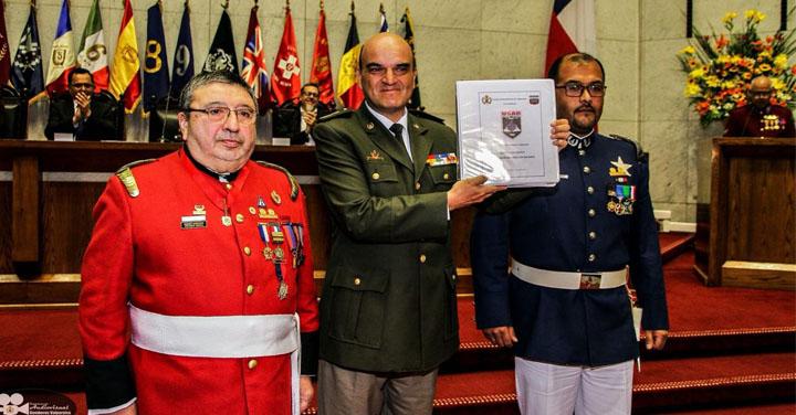 Presidente Nacional recibió documentación del proceso USAR de Bomberos de Valparaíso