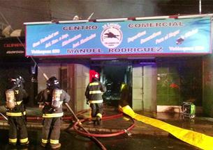 Incendio afectó a treinta locales en centro comercial de Arica