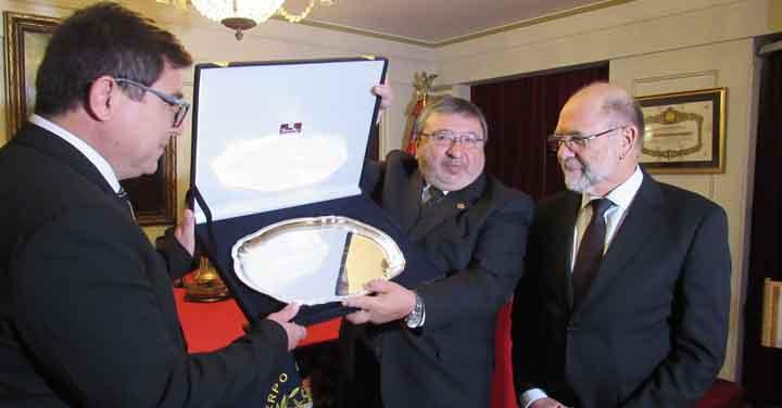 Gran Logia de Chile visitó la Dirección General del Cuerpo de Bomberos de Valparaíso