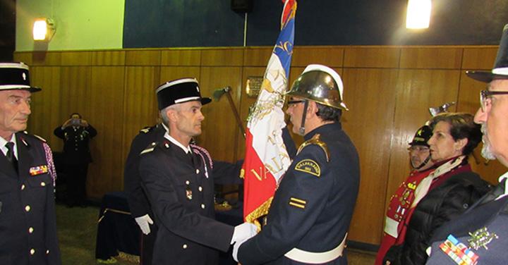 Ceremonia de entrega de nuevo estandarte a la 8ª Compañía de Valparaíso
