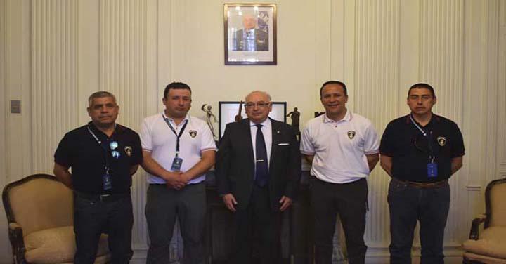 Presidente Nacional recibió al Cuerpo de Bomberos de Traiguén