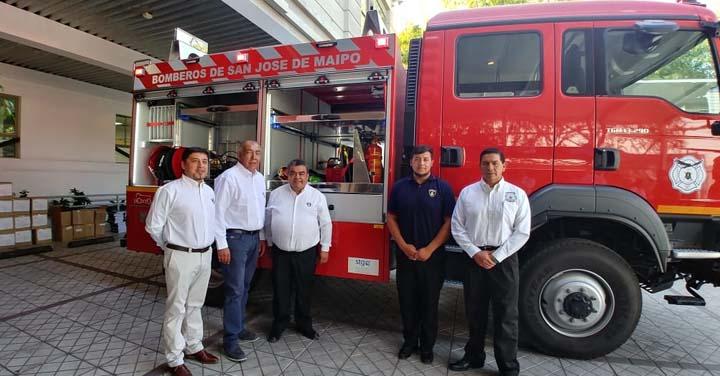 Cuerpo de Bomberos de San José de Maipo recibió carro de rescate