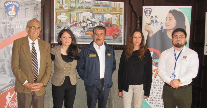 """Presentación de la exposición """"¡Agua, Fuego y Buen Humor!"""" de Tina Fuentes en Valparaíso"""