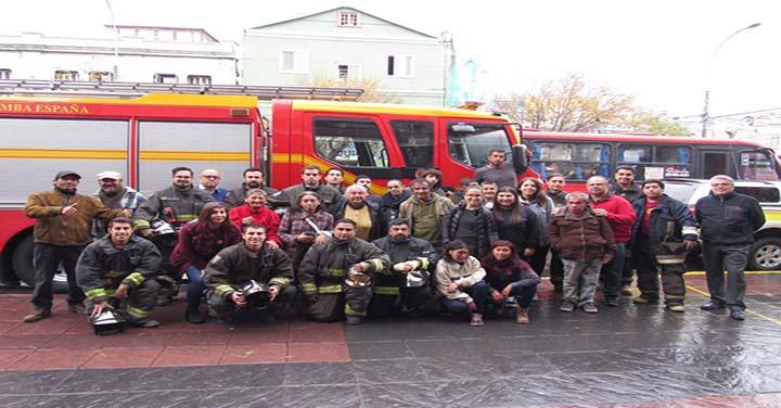 Séptima Compañía de Valparaíso realizó actividad con personas en situación de calle
