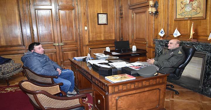 Bomberos de Traiguén se reunieron con Presidente Nacional