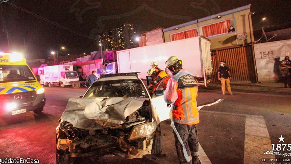 Colisión de dos vehículos dejó a cuatro personas lesionadas