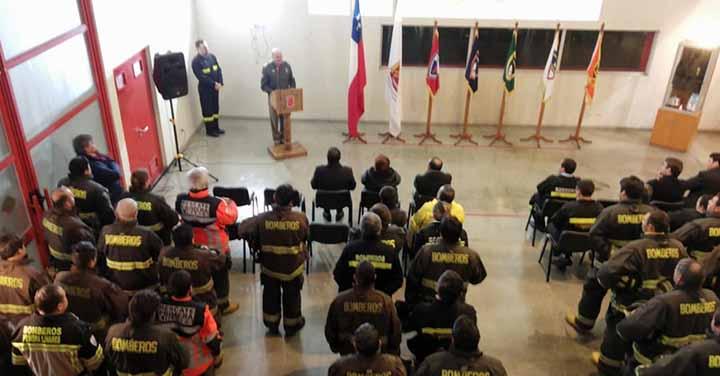 Cuerpo de Bomberos de Linares conmemoró Día Nacional en cuartel de la Primera Compañía