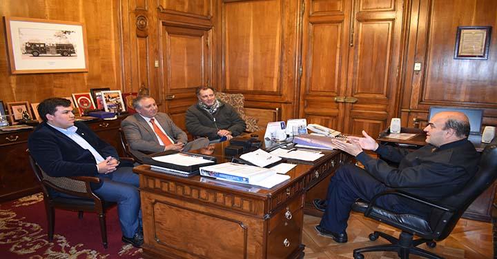Cuerpos de Bomberos de Colina y La Calera visitaron al Presidente Nacional
