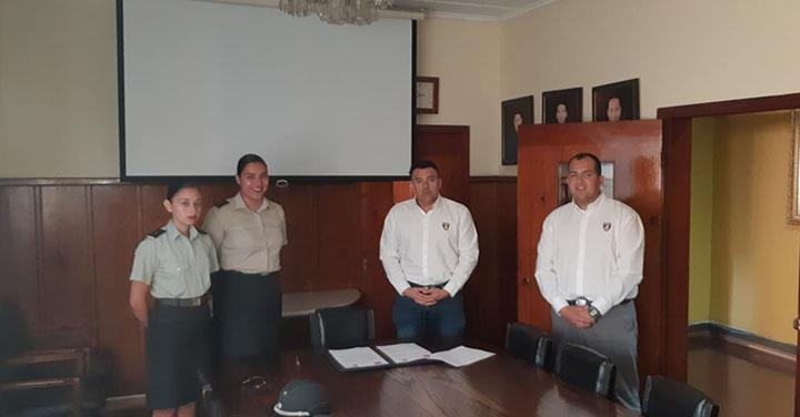 Bomberos de Iquique firmó protocolo de apoyo mutuo con Gendarmería