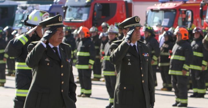 Cuerpos de Bomberos de la Región Metropolitana reciben 19 nuevos carros