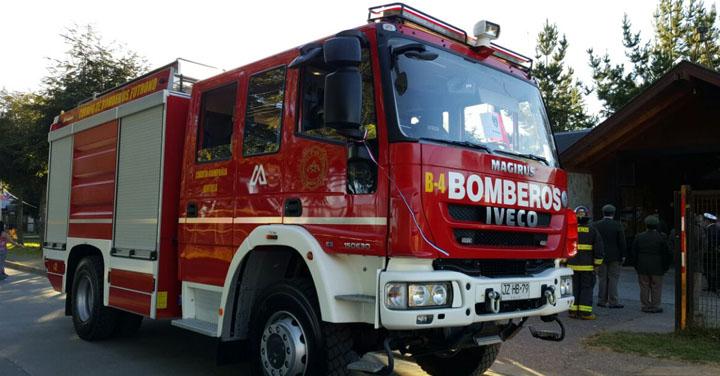 Cuerpo de Bomberos de Futrono recibió carro bomba sin aporte