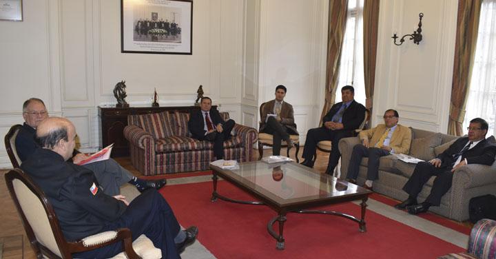 Presidente Nacional se reunió con tres Cuerpos de Bomberos