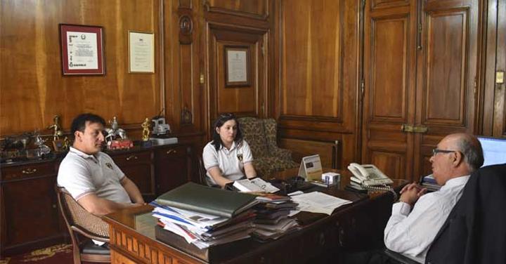 Cuerpo de Bomberos de Achao se reunió con el Presidente Nacional