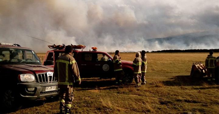 Incendio en región de Aysén mantiene alerta a bomberos y autoridades
