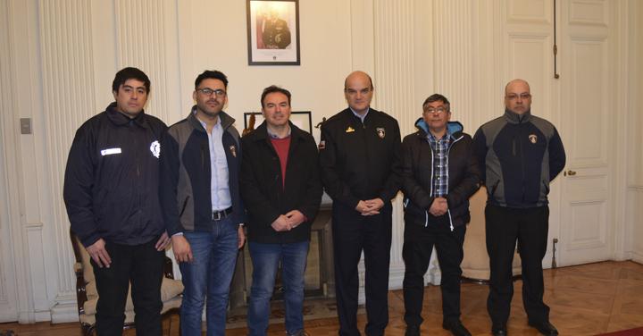 Cuerpos de Bomberos de Llay-Llay, Lota y San Felipe visitaron al Presidente Nacional