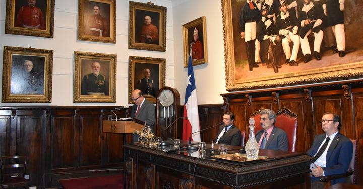 Presidente Nacional expuso funcionamiento de la institución ante el Directorio del Cuerpo de Bomberos de Santiago