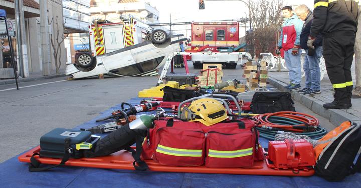 Exitoso seminario de actualización de rescate vehicular técnico