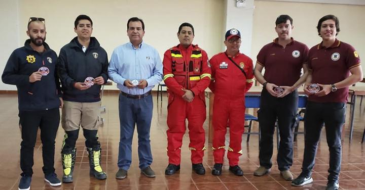 Bomberos de Arica finalizan curso BREI en Tacna