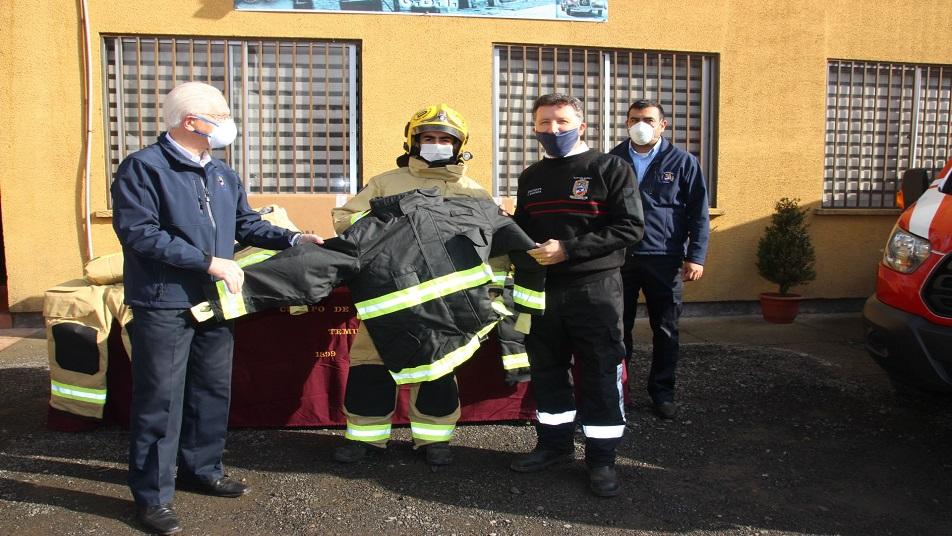 Cuerpo de Bomberos de Temuco adquirió 139 uniformes de trabajo