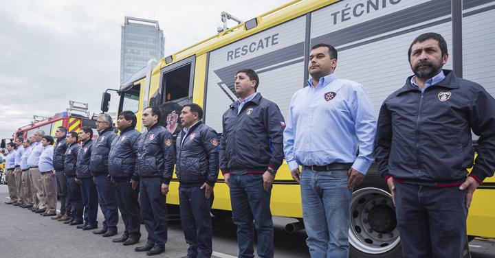 Cuerpo de Bomberos de Puerto Montt recibe 3 modernas unidades