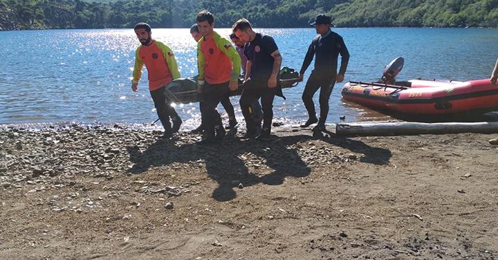 Bomberos recuperó cuerpo de persona desaparecida en Laguna La Mula en Alto Bío Bío
