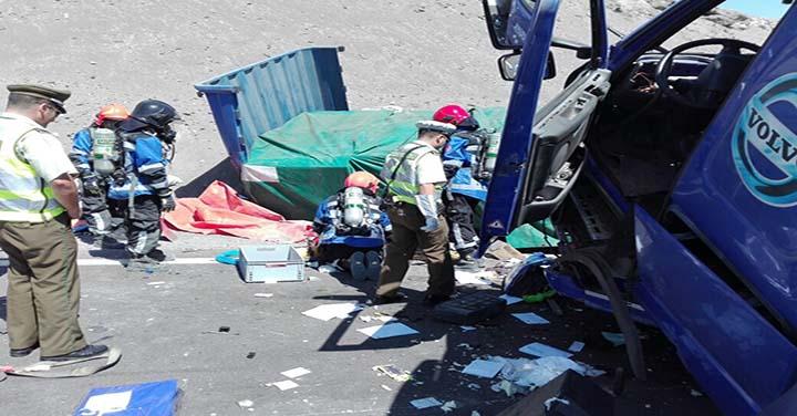 Choque de alto impacto con un fallecido movilizó a Bomberos de Huara