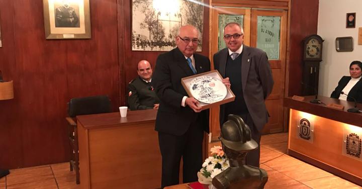 CB de San Felipe rinde homenaje a Presidente Nacional de Bomberos