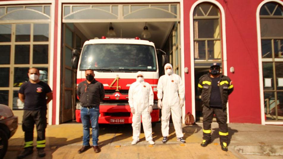 Donación para sanitizar unidades de bomberos de Iquique realizó empresa COMAR Limitada
