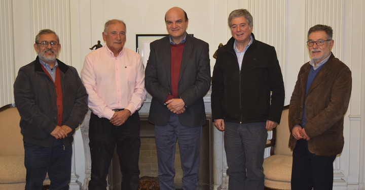 Presidente Nacional se reúne con directiva de Fundación Kontrafuegos