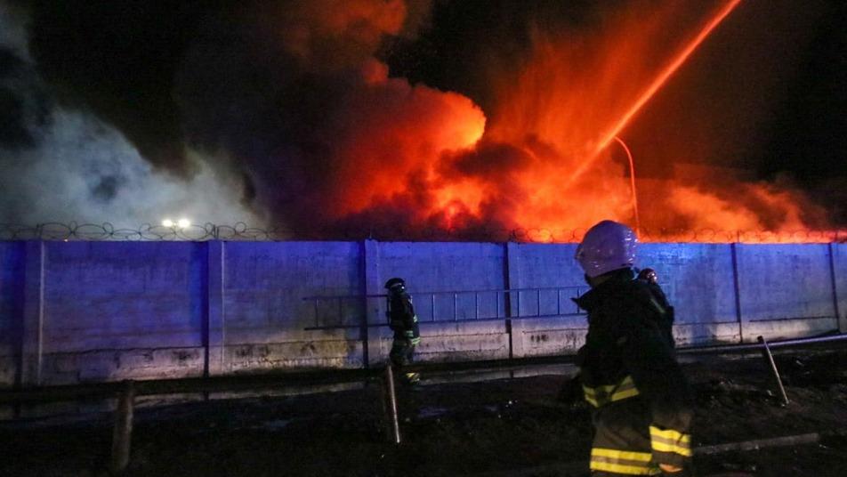 Rápida respuesta de Bomberos de Iquique evitó propagación de incendio